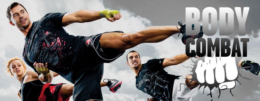 Kleding body combat handschoenen en shorts  Venum